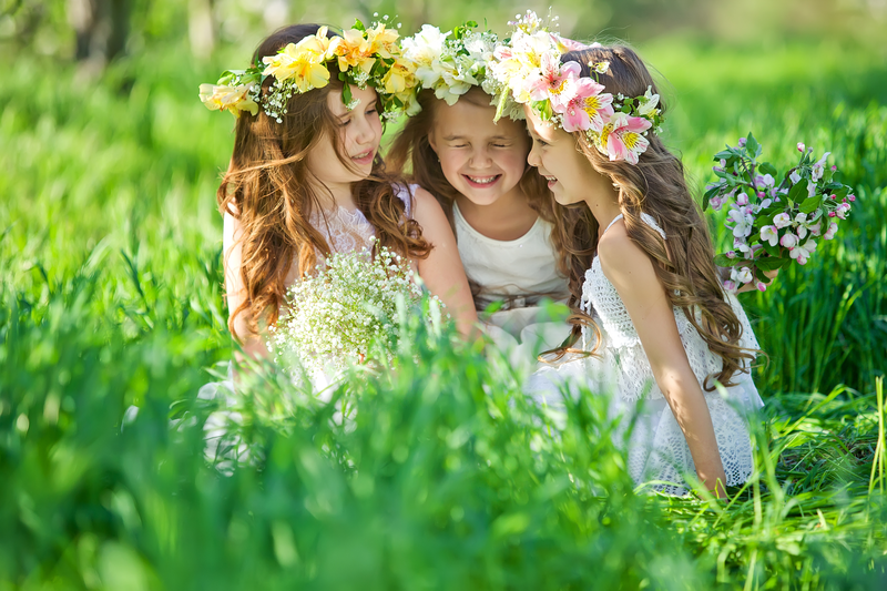 Young Bridesmaids & Flower Girls