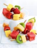 Marks and Spencer - 16 Fresh Fruit Mini Kebabs