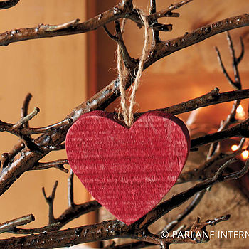 10 Red Wooden Hangin Hearts
